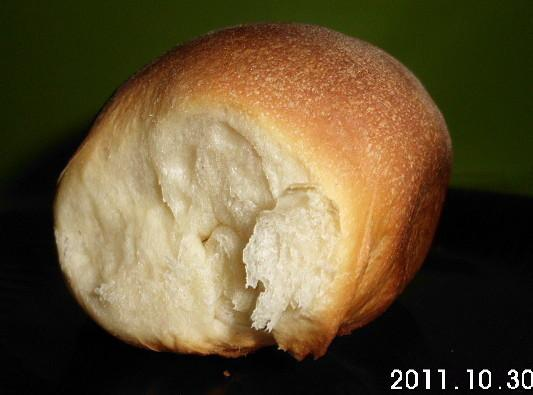 This is a delicious dinner roll recipe that I use all the time.http://www.justapinch.com/recipes/bread/other-bread/dinner-rolls-bread-machine.html?p=1