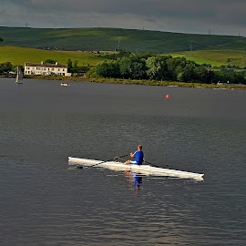 Haul  away by Gordon Simpson - Sports & Fitness Watersports
