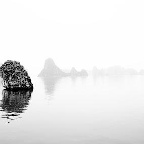 Minimalistic Halong Bay by Ewan Arnolda - Digital Art Places