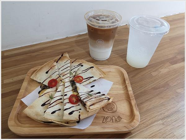Zone Café 弄咖啡-大東店~大推松露野菇起司薄餅,越吃越唰嘴~必點呀!