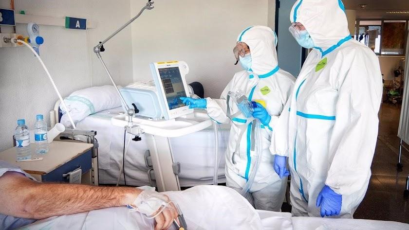 Los hospitales almerienses tienen siete pacientes más que hace una semana.