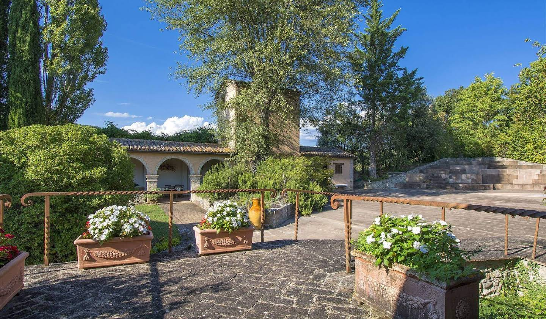 Villa with garden and terrace Montone