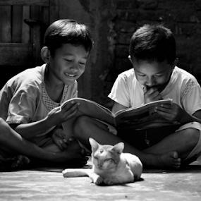 learning by Arif Setiawan - Black & White Portraits & People