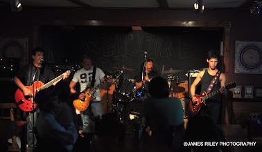 Photo: Classic Rock all the way when Jacob is joined by Third Degree.