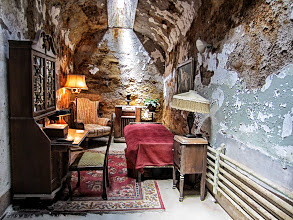 Photo: Recreation in Al Capone's cell.