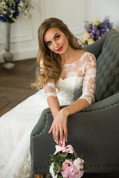 Wedding photographer Aleksandra Kharlamova (akharlamova). Photo of 28.10.2018