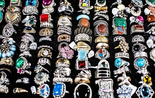 jewelry at yard sale