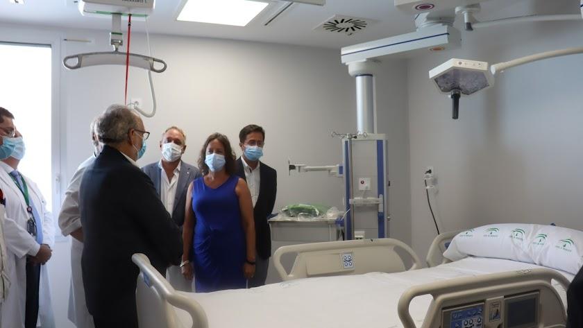 La viceconsejera ha visitado este miércoles el Hospital de Poniente.