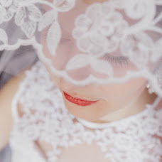 Wedding photographer Olya Davydova (olik25). Photo of 25.11.2017