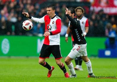 Steven Berghuis loodst Feyenoord met een hattrick voorbij PSV