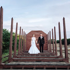 Wedding photographer Martin Holik (svatebnifotogra). Photo of 14.08.2015