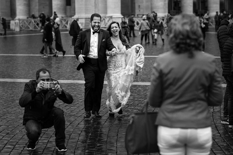 Wedding photographer Pasquale Minniti (pasqualeminniti). Photo of 17.12.2018