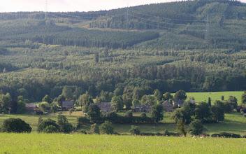 Photo: Sortie de Rahier et tout à gauche : début de Martinville  Dans le fond : Bois de la Baronne