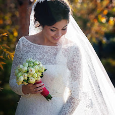 Wedding photographer Sergey Piyagin (smileastana). Photo of 18.10.2013