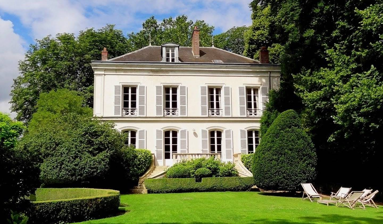 Propriété avec piscine et jardin Thoiry