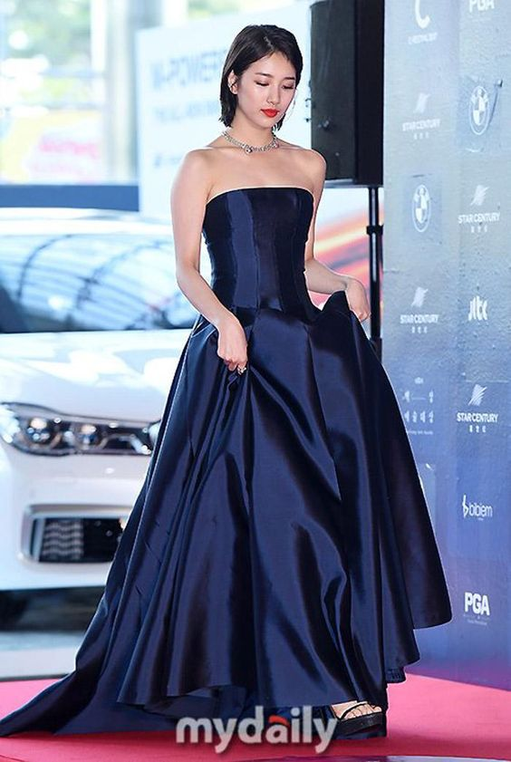 suzy gown 24