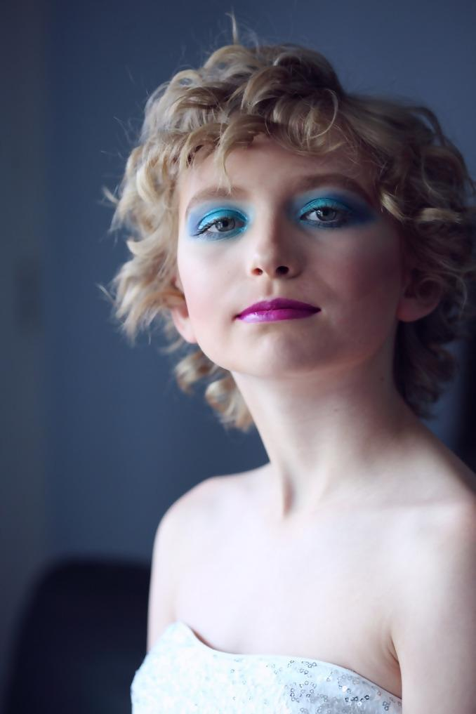 1980's typical makeup look