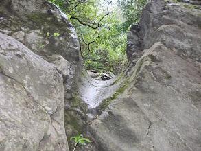 Photo: goulotte creusée par l'érosion  des crues de la Muga