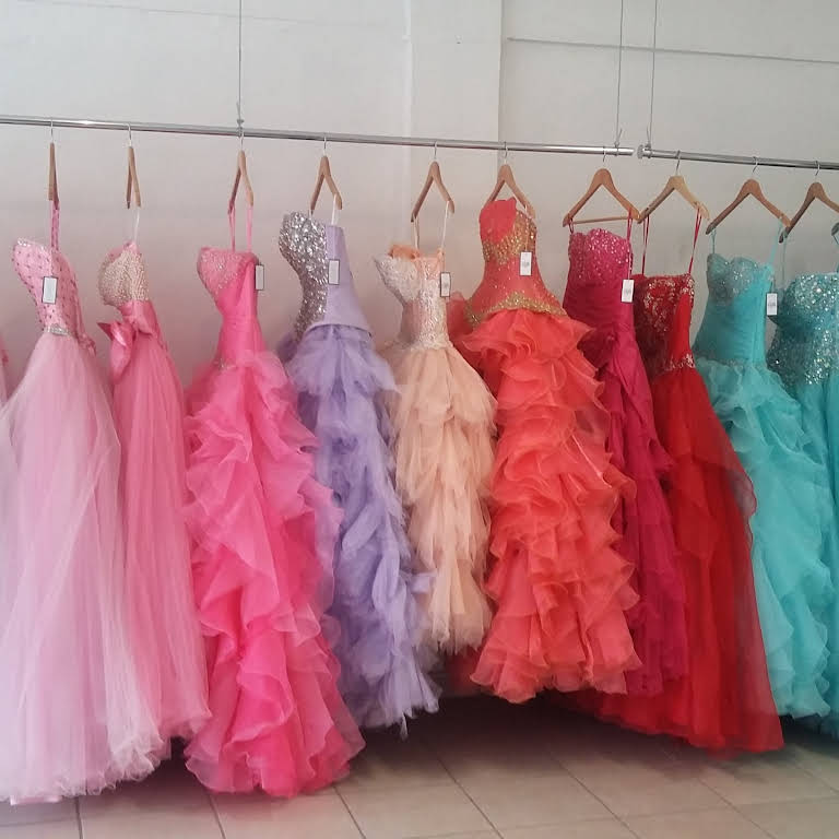 Renta De Vestidos De Xv Años Ailé Dress Rental Service In