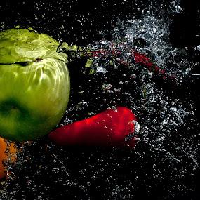 by WanUkay Perdana - Food & Drink Fruits & Vegetables ( waterdrop, fruite splash photography, splash photography, capsicum, bell pepper )