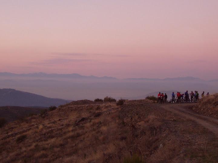 Atarceder desde las crestas de Villanueva de Valdueza
