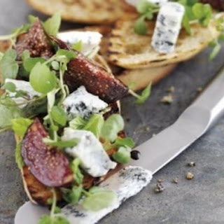 Bruschetta with Gorgonzola Cheese and Balsamic Figs
