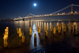 Photo: Moon rise over San Francisco's Bay Bridge