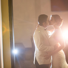 Wedding photographer Nicolás Zuluaga (OjodeOZ). Photo of 17.12.2014