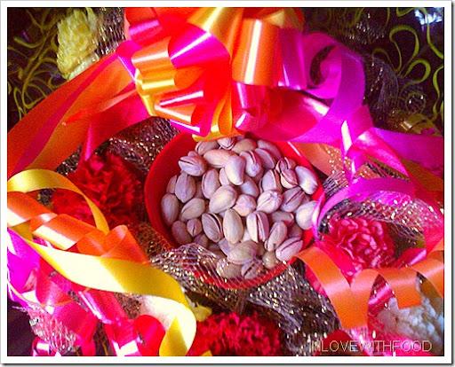 festive pistachios