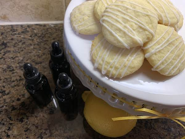 Sugar Cookies With Lemon Balm Tincture