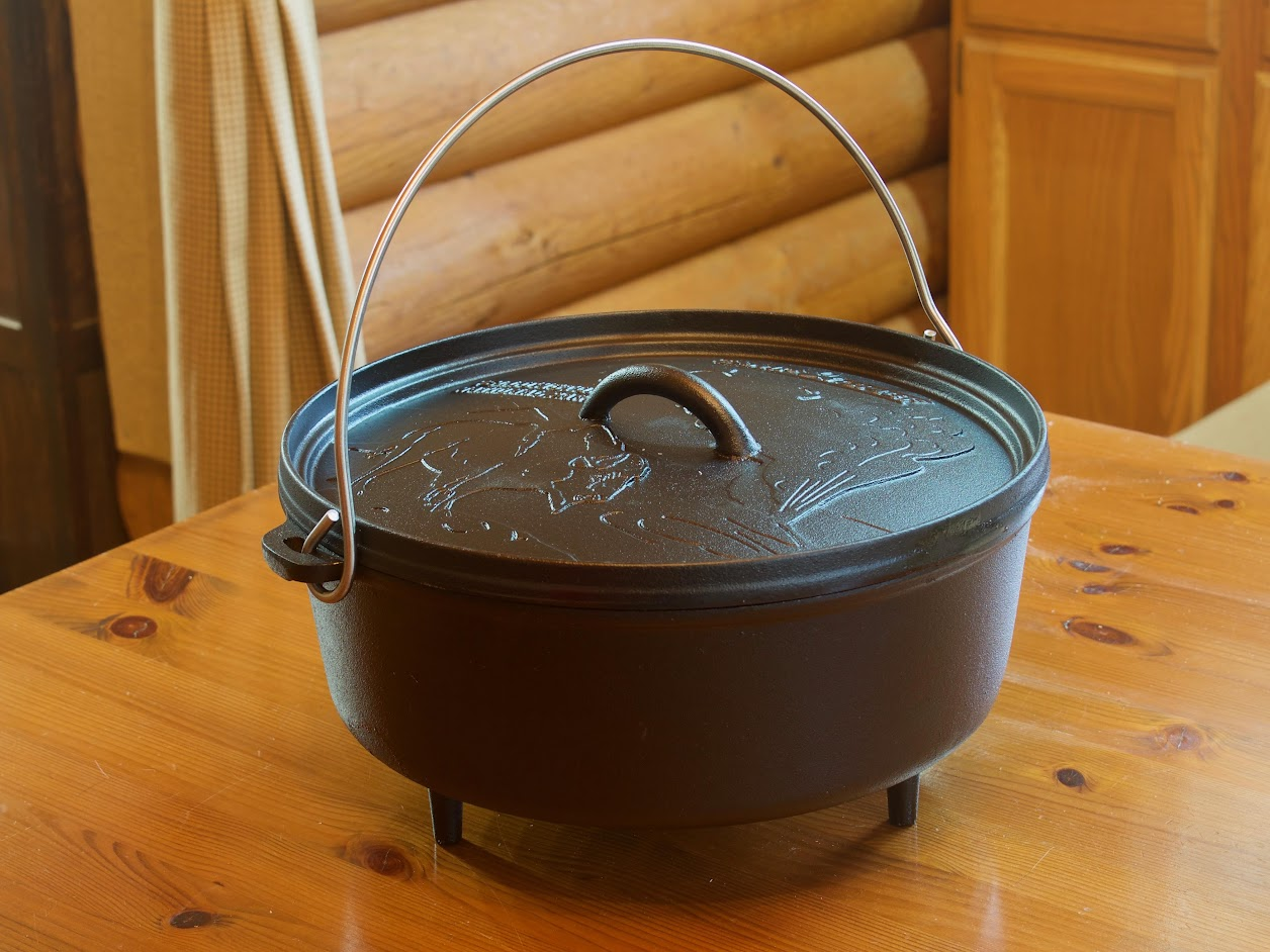 "CAMP CHEF 6 QUART 12"" DUTCH OVEN"