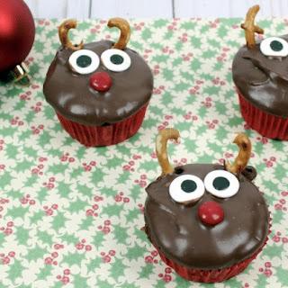 Christmas Reindeer Cupcakes.