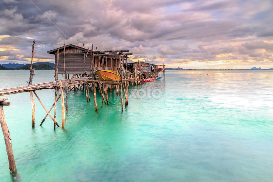 The beautiful view seaweed parm  by Daimasala Abdullah - Buildings & Architecture Bridges & Suspended Structures ( coral, unique, nomadic, freedom, waterscape, tropical, ocean, travel, house, beauty, landscape, people, heat, coast, sun, sabah, asian, borneo, island, sky, life, village, nature, happy, sunny, asia, water, clouds, sand, romantic, sea, malaysia, tourism, scenic, crystal, paradise, boat, sea scape, wooden, vacation, horizontal, background, summer, scenery, sunrise, gypsy, labuan )