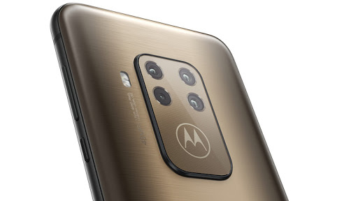 Motorola's new quad-camera system handset, the Moto One Zoom.