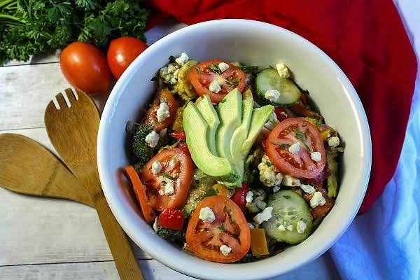 Avocado And Artichoke Hearts Holiday Salad Recipe