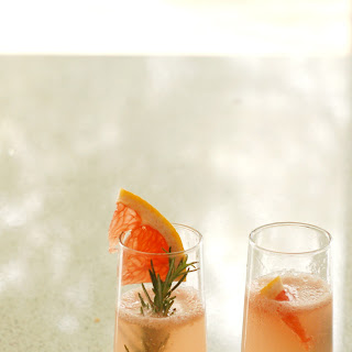 Slender Rosemary Grapefruit Fizz