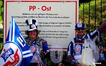 Photo: Fußballfans in Rostock