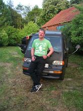 Photo: ich bin nicht so groß....das Auto ist bloß so klein....