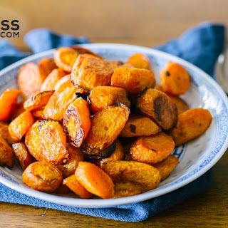 Maple Roasted Carrots - Easy Healthy Side Dish.