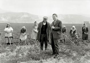 Photo: Carlo Levi nei campi di Ferrandina (Mt), Lucania 1960 - Foto di Mario Carbone