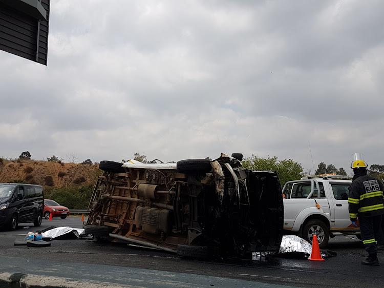 Emer-G-Med spokesperson Jurgen Kotze said that the taxi was speeding when it crashed.
