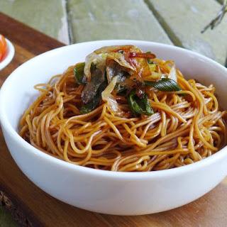 Shanghai Spring Onion Oil Noodles (葱油拌面).