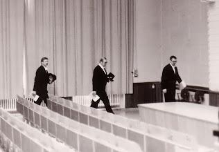 Photo: 19820525 Vartia Pentti, Leponiemi Arvi, Korpela Asko - sisääntulo, väitös