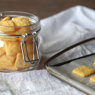Gluten-Free Cheese Crackers (5 ingredients)