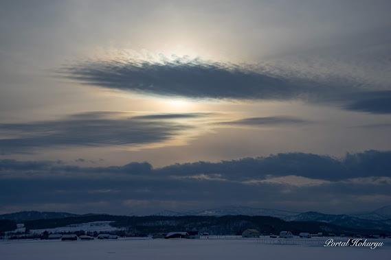不思議な光と雲