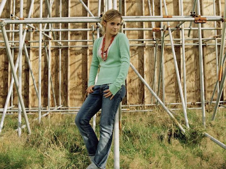 Emma Watson Emma Watson (27).jpg EmmaWatsonII -  http://henku.info