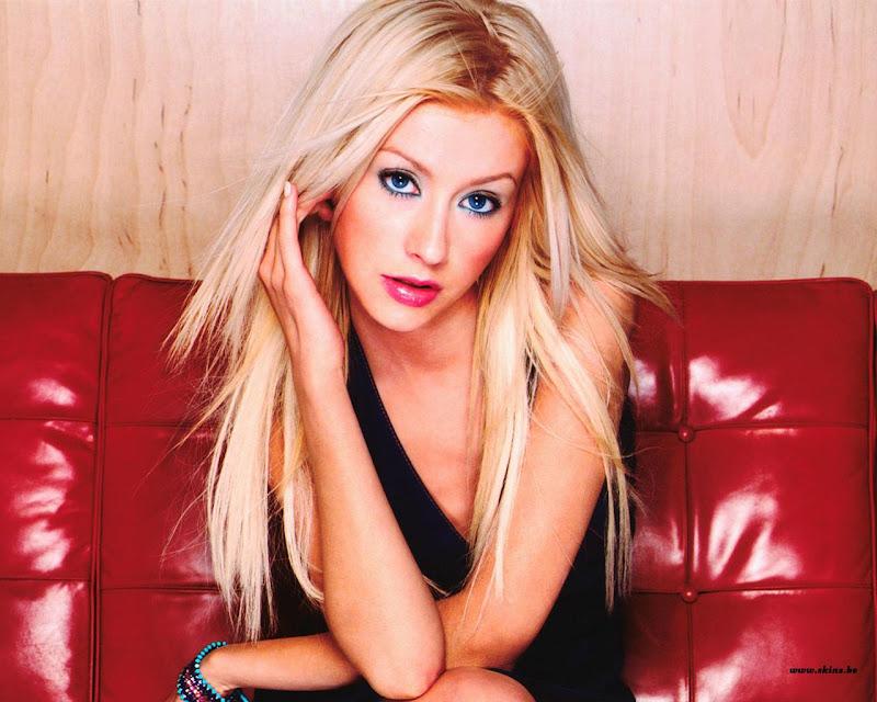Christina Aguilera 32.jpg ChristinaAguilera -  http://henku.info