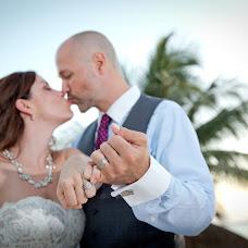 Wedding photographer Hipolito Flores (hipolitoflores). Photo of 24.10.2015