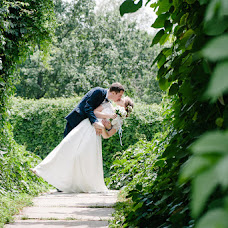 Wedding photographer Olga Burceva (smilyphoto). Photo of 24.08.2016