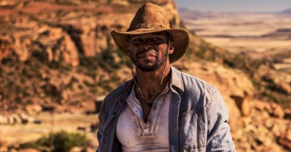 Vuyo Dabula plays the role of an outlaw in Five Fingers of Marseilles.